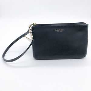 COACH BLACK LEATHER WRISTLET GOLD HARDWARE